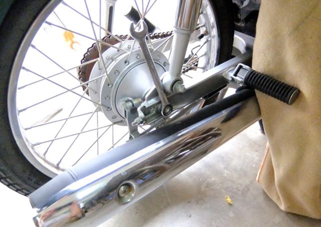 専門学校でバイク(二輪自動車)整備について学ぶなら、企業連携授業を通してバイク整備士を目指せるYIC京都へ