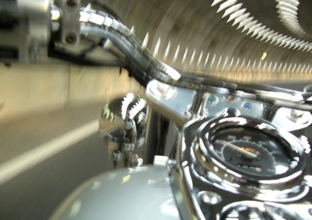 専門学校でバイクの整備について学びたいという方は、ぜひYIC京都へご入校ください~充実した国内企業研修で二輪自動車整備士の資格取得をサポート~