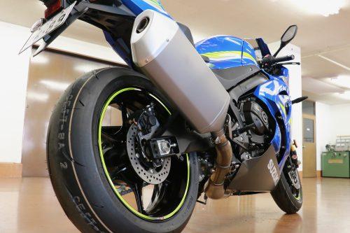 こちらは上位モデルGSX-R1000R