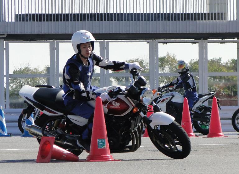 鈴鹿サーキット安全運転講習1