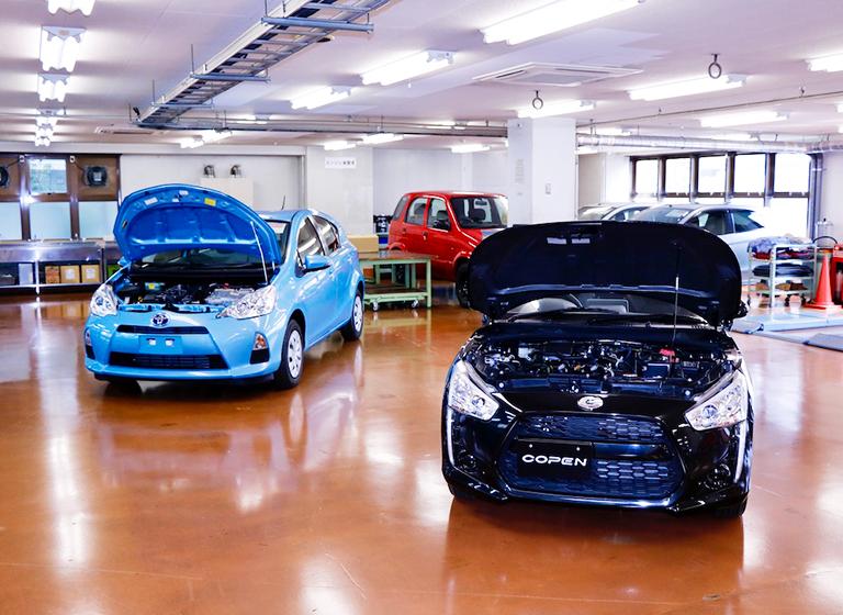 一級自動車実習室